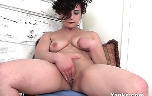 Cute dilettante wife ahna masturbating