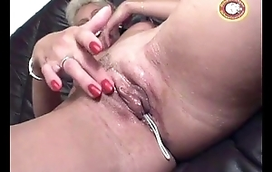Mature gets dildoed more willingly than facial spunk flow