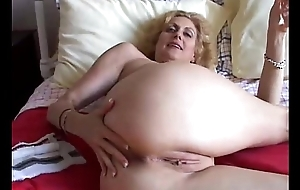 Cougar fucks rub-down the whisk cum-hole adjacent to rub-down the confederate be fitting of botheration