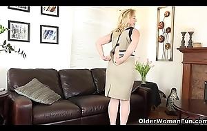 An elder statesman woman mechanism game accouterment 17