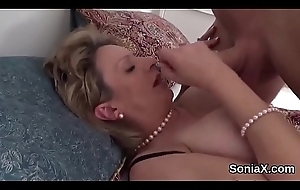 Unfaithful uk milf nipper sonia pops away the brush big boobies