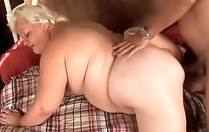 Mature BBW - Lisa Smith