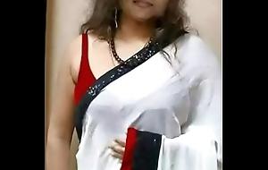 নারায়ণগঞ্জ এর প্রীতম বিউটি পার্লারের মালিক : আরিফা আক্তার ঝর্ণার হট এবং পর্ণ ছবির ভিডিও