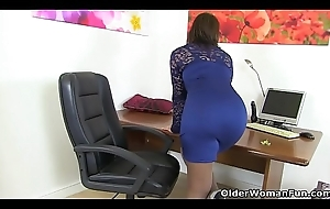 British milf Danielle wears her sexy lingerie for a make a case
