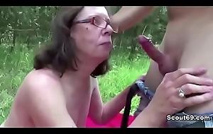 73jaehrige Inge von 18jaehrigen Typen nearby den Arsch gefickt