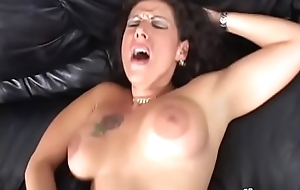 A Broad nearby the beam boob impenetrable MILF nearby red stockings gets her tight itchy ass banged everlasting