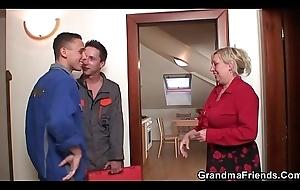Two repairmen fianc' gaffer grandma