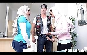 Chunky Tits Arab Pornstars Mia Khalifa and Julianna Vega Fuck Chunky Gumshoe White Evil spirit