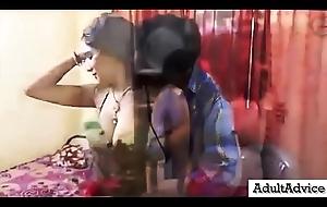 Bra Travelling salesman Dealings In the air Desi Indian Bhabhi - देसी भारतीय भाभी के साथ ब्रा विक्रेता सेक्स