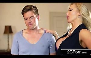 British Stepmom Rebecca Moore Decides at hand Give Mia Malkova Sexual relations Tutorial