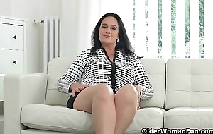 Largely rounded milf Ria Black fingers say no to breedable wet crack